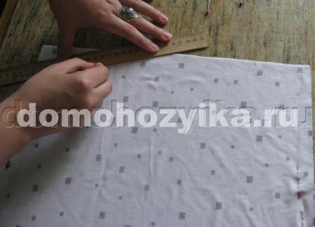По моему опыту, сшить трикотажное платье-футляр можно за 2 часа...