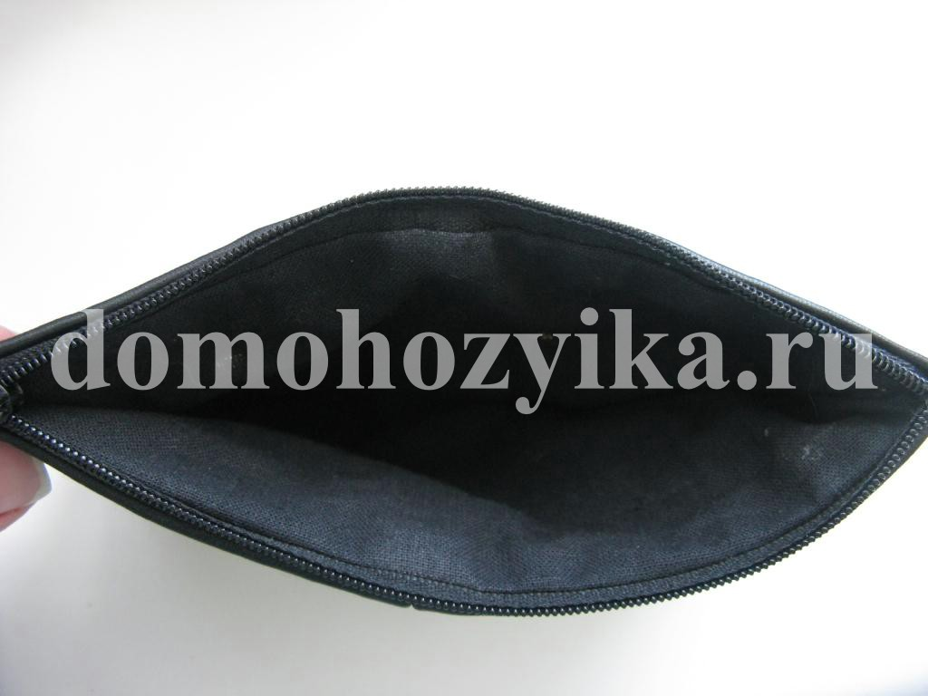 лакированной обувью можно носить лакированную сумку
