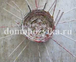 korzina-iz-gazetnyx-trubochek-2_24