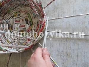korzina-iz-gazetnyx-trubochek-2_25