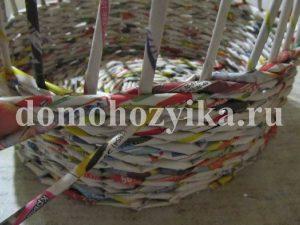 korzina-iz-gazetnyx-trubochek-2_7