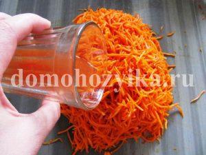 morkov-so-sparzhej-po-korejski_9