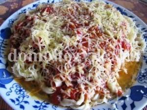 pasta-s-pomidorami-i-syrom_14