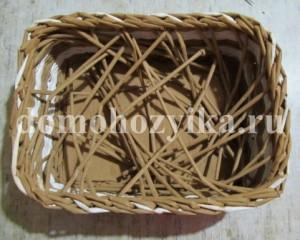 shkatulka-iz-gazetnyx-trubochek_58