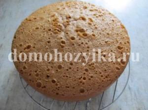 tort-ryzhik-v-multivarke_11