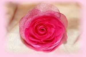 roza-iz-organzy-svoimi-rukami_1