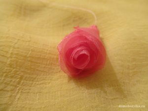 roza-iz-organzy-svoimi-rukami_9