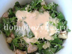 salat-cezar-s-ananasom_9