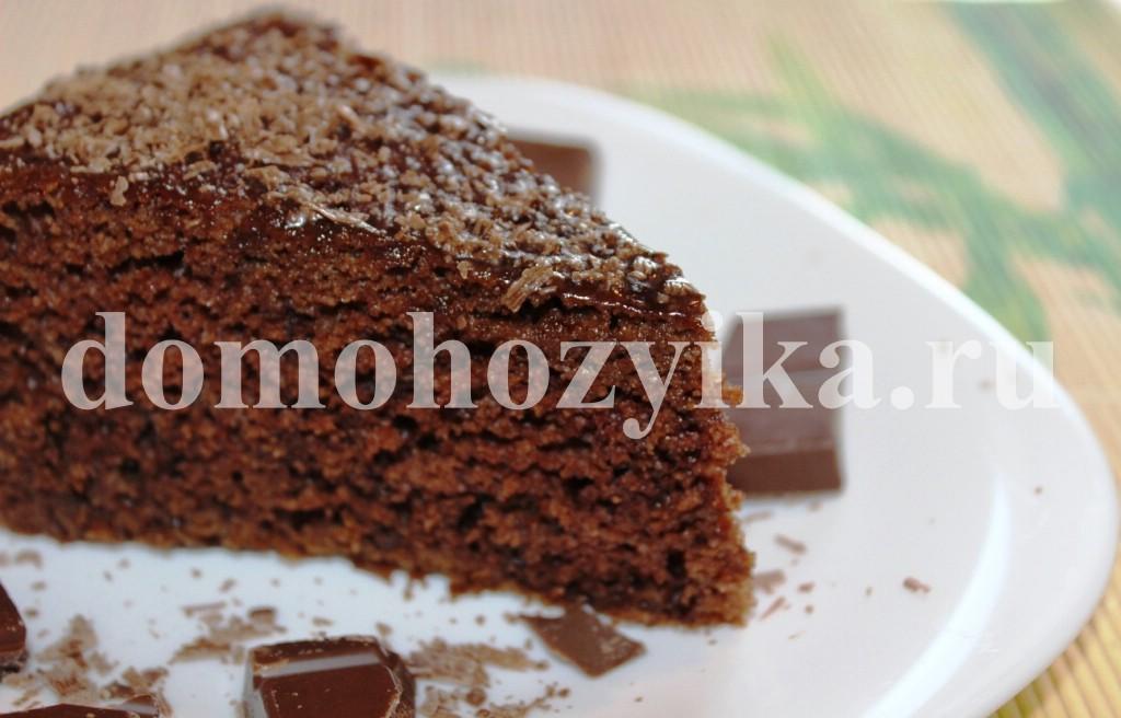 Шоколадный пирог со сливами в мультиварке рецепт с фото