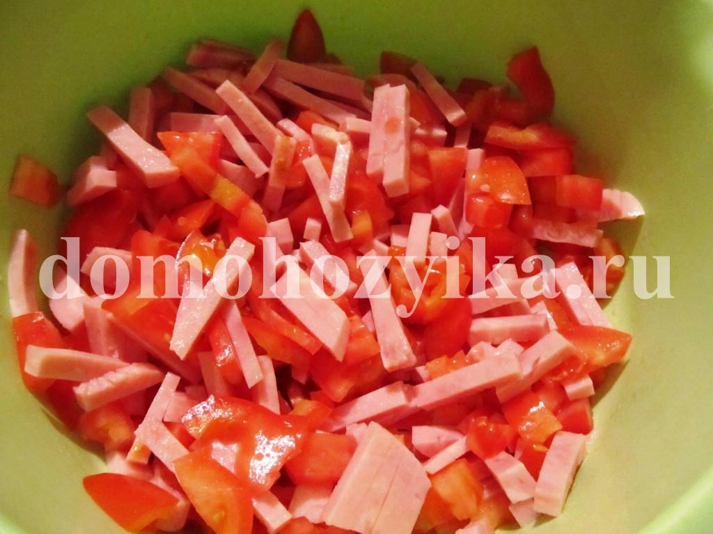 салат из ветчины с сухариками рецепт с фото