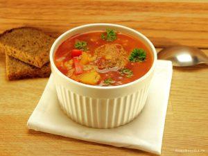 tomatno-risovyj-sup-s-frikadelkami_1