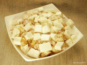 salat-s-suxarikami-i-syrom-sirtaki_10